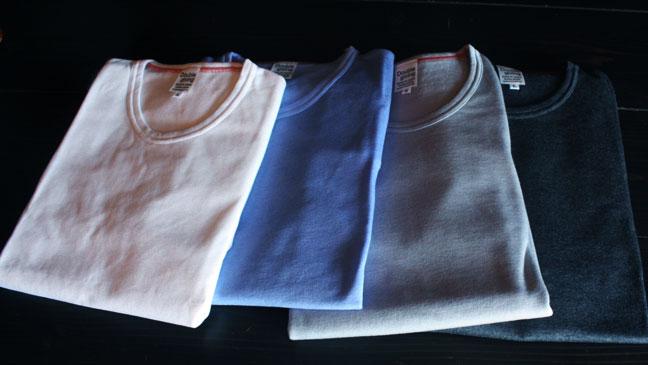 暖かいティーシャツ
